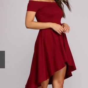Party dress in burgundy